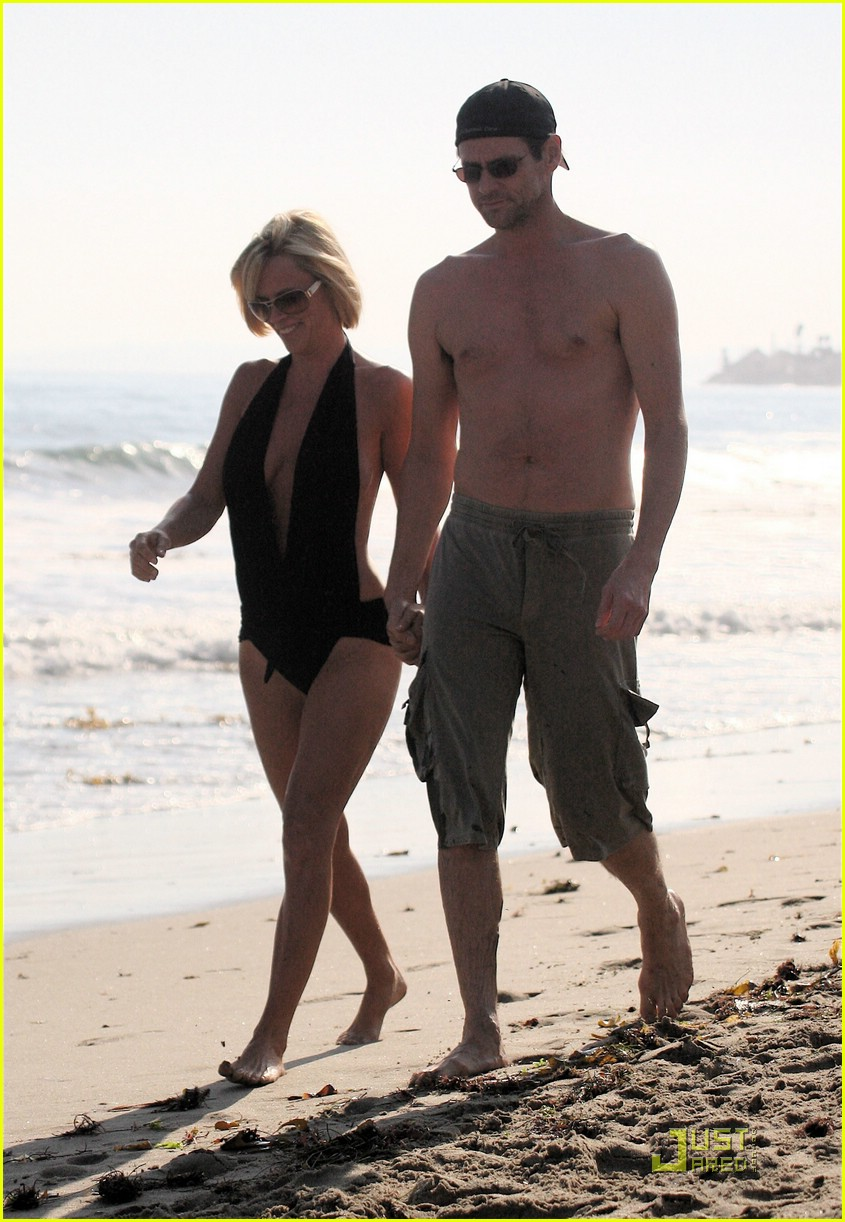jim carrey jenny mccarthy same swimsuit 16