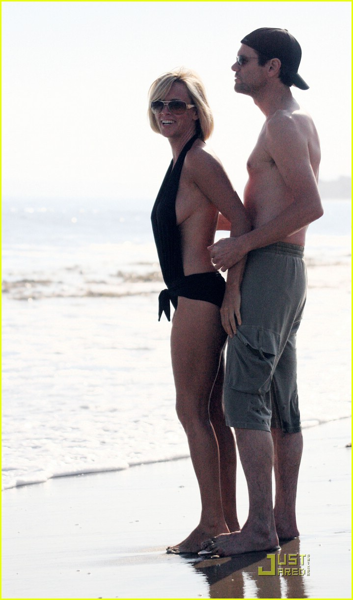 jim carrey jenny mccarthy same swimsuit 17