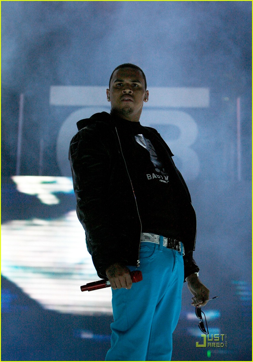 rihanna chris brown essence music festival 28