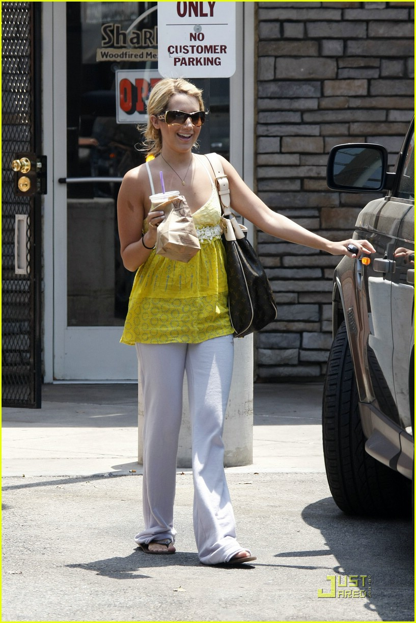 ashley tisdale hello yellow 061260901