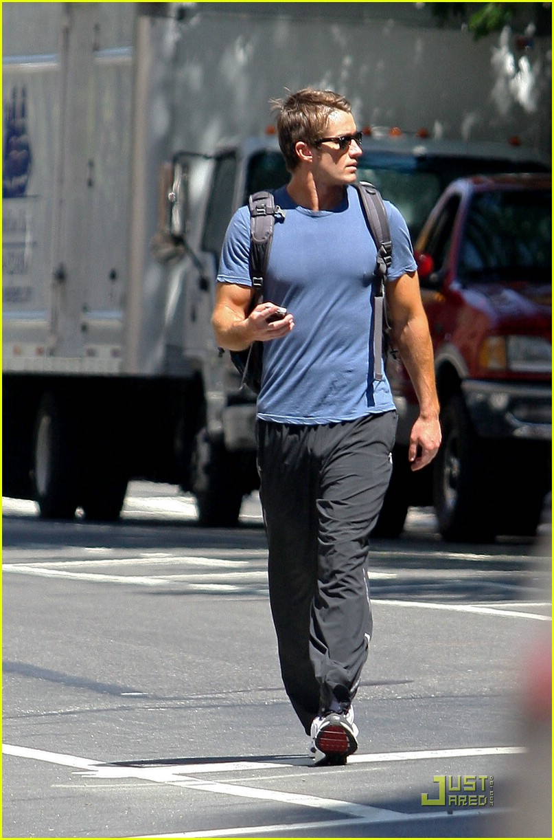 robert buckley soho 01