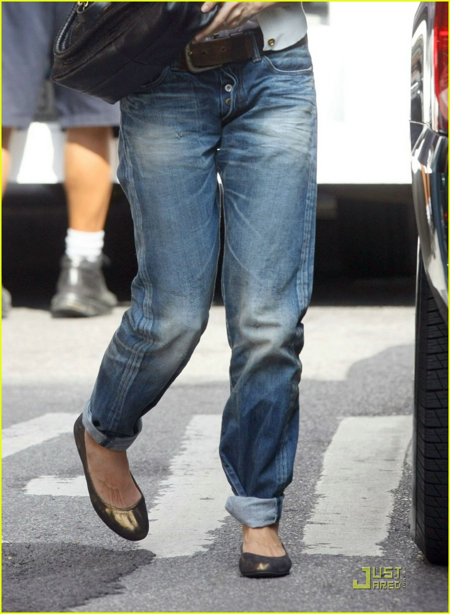 katie holmes rolled up jeans 031319891