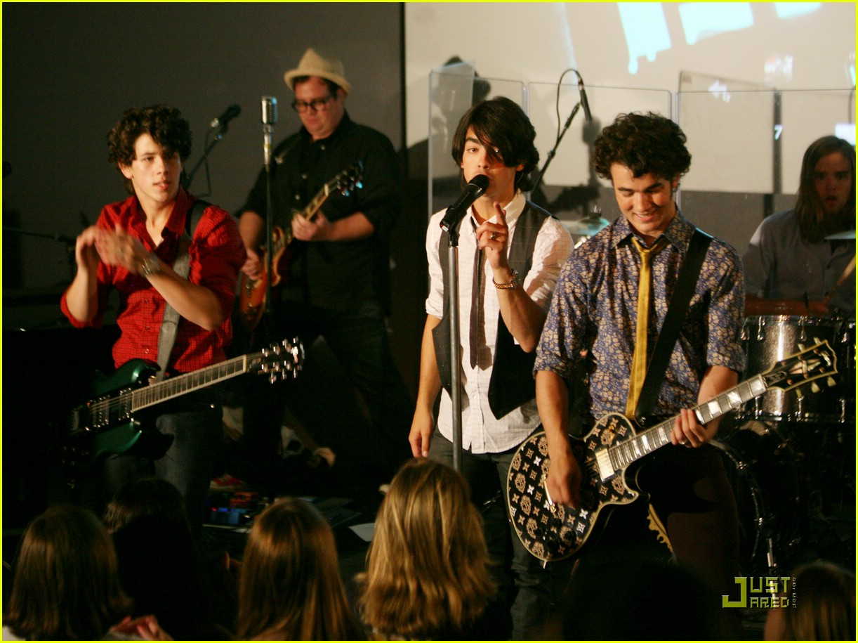 jonas brothers apple store soho trl 46