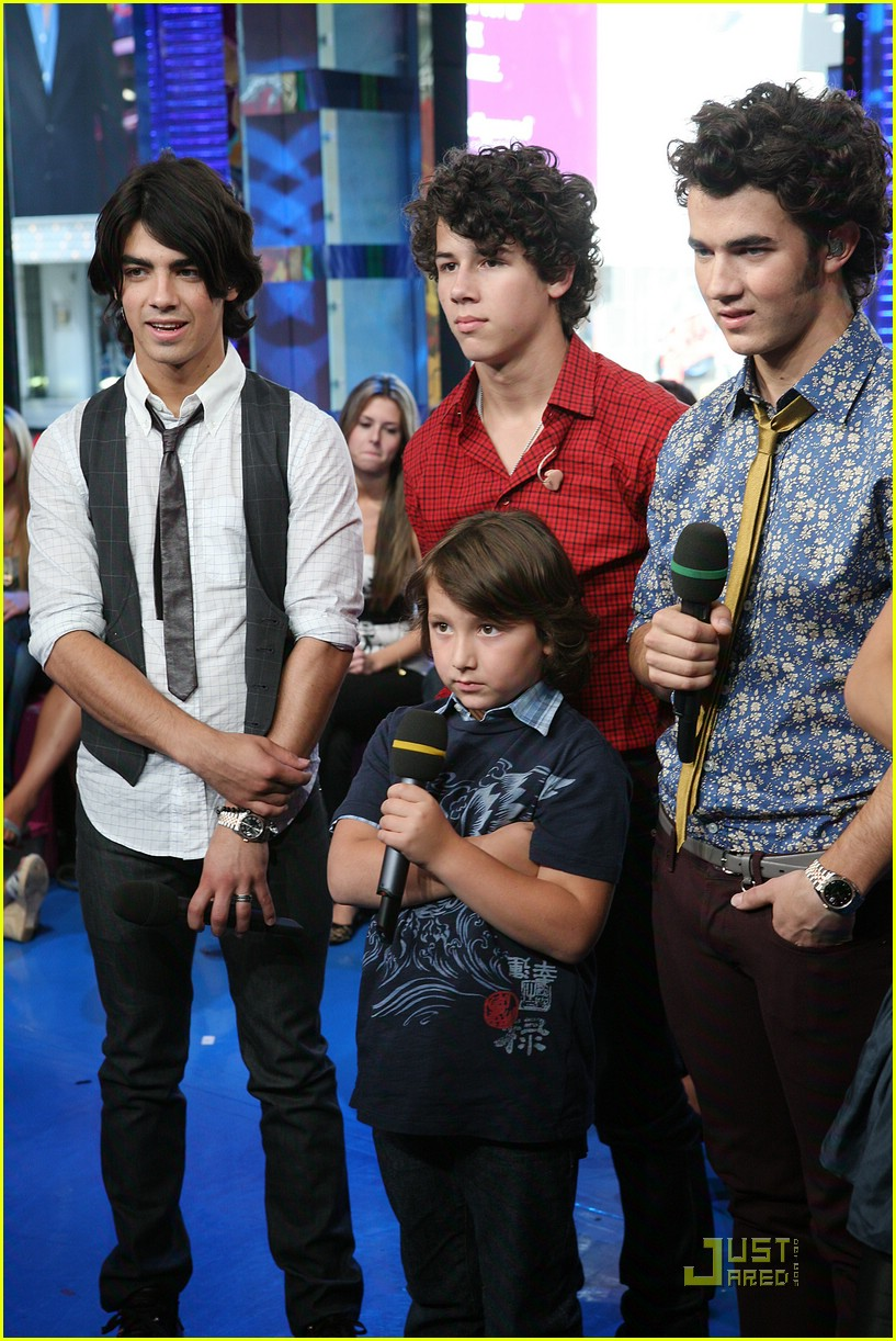 jonas brothers radio disney 02