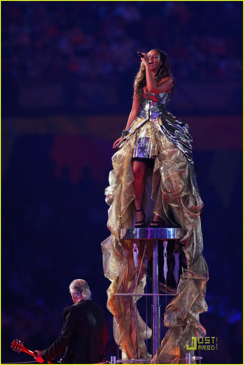 Leona Lewis' Olympic Closing Ceremony: Photo 1367311 ...