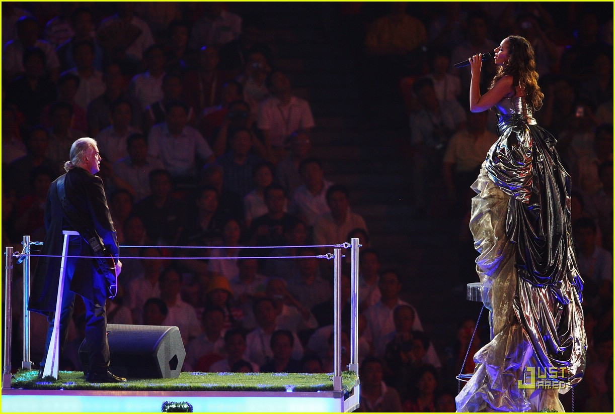 Leona Lewis' Olympic Closing Ceremony: Photo 1367411 ...