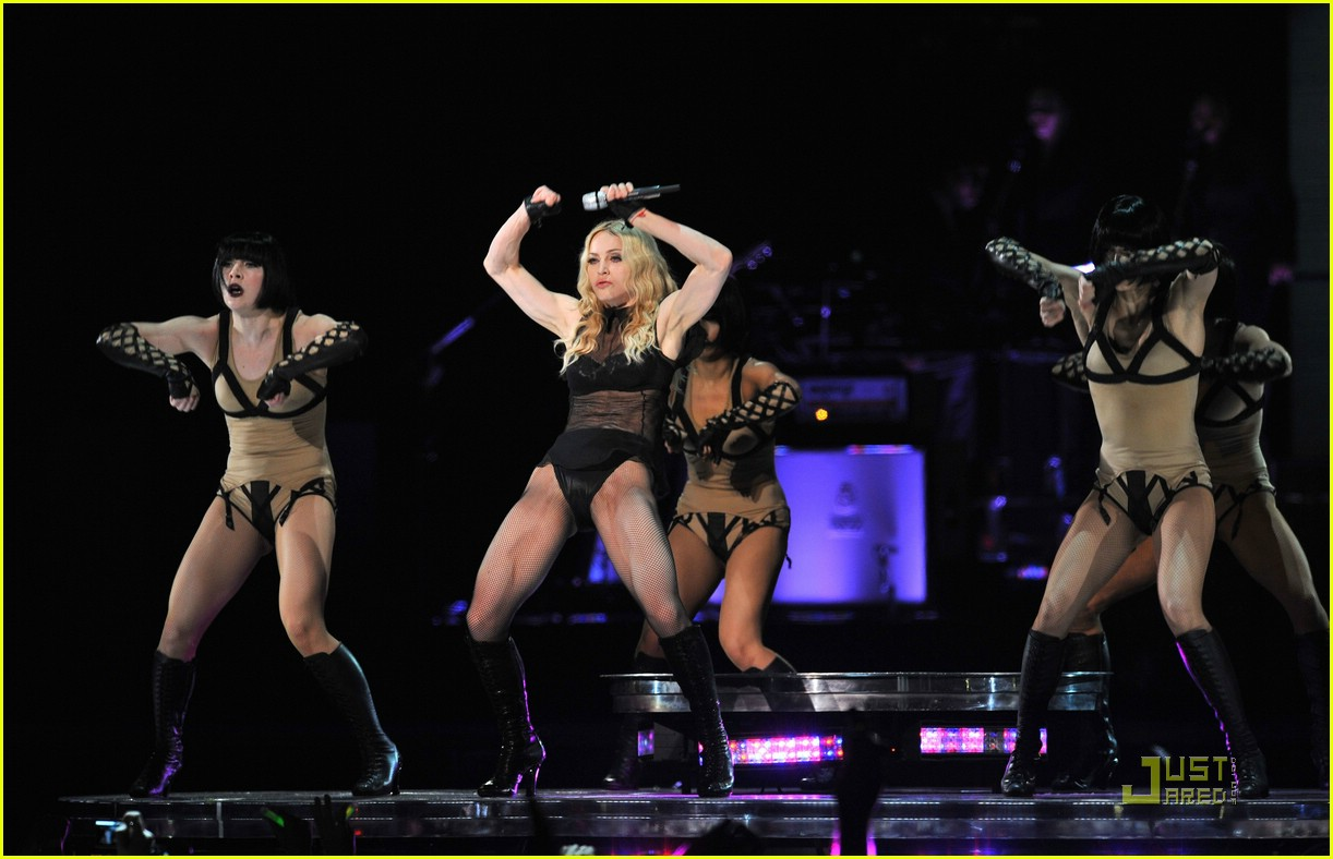 madonna sticky and sweet tour pictures 74