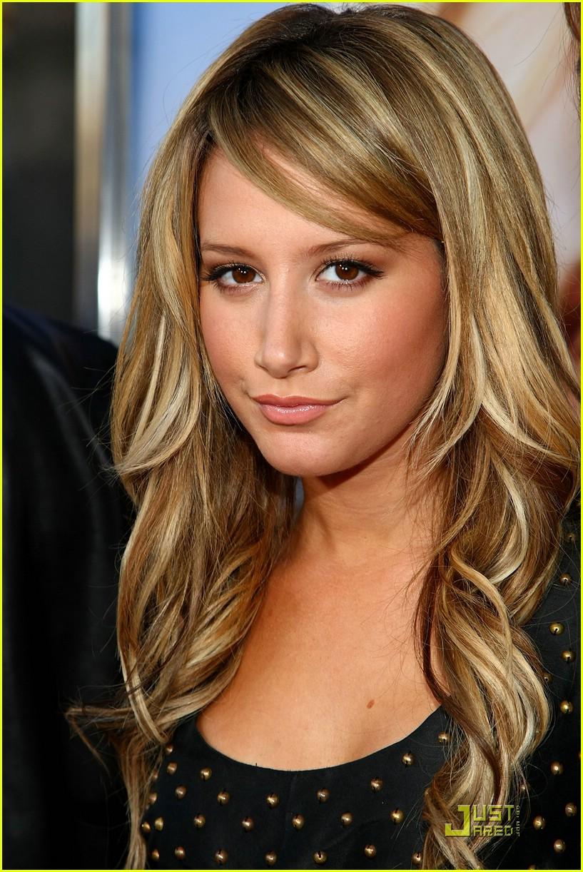 http://cdn02.cdn.justjared.com/wp-content/uploads/2008/08/tisdale-bunny/ashley-tisdale-house-bunny-02.jpg