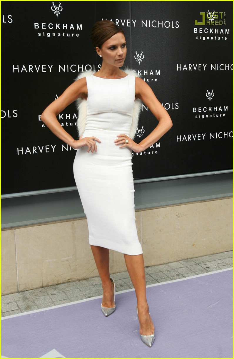 victoria beckham giambattista valli 33