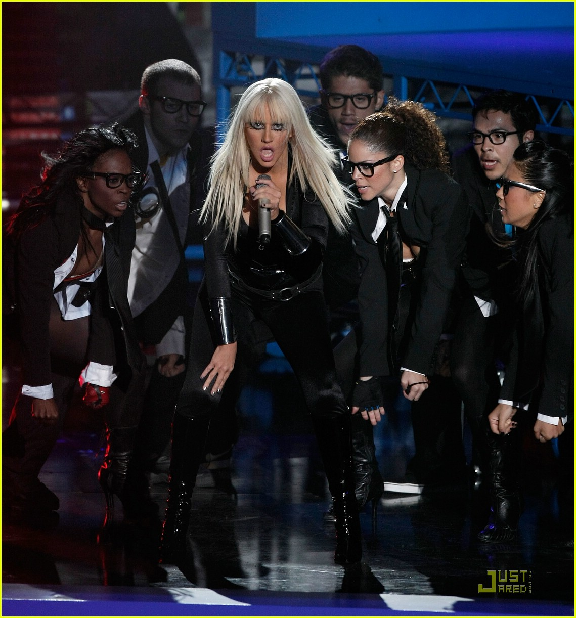 christina aguilera performance 2008 vmas 10