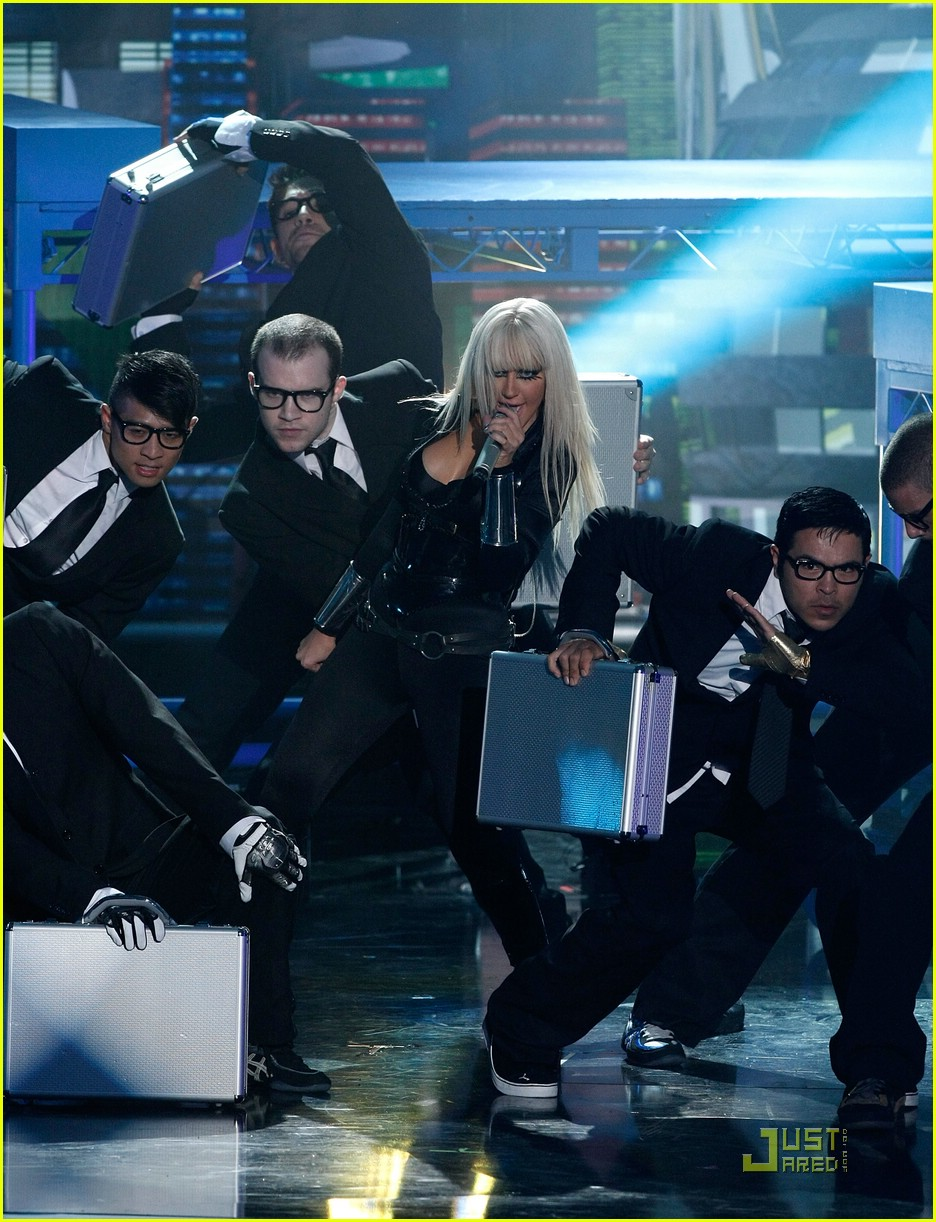 christina aguilera performance 2008 vmas 17