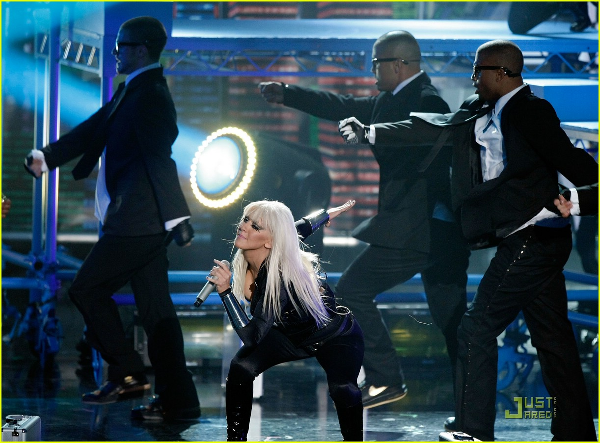 christina aguilera performance 2008 vmas 221405131