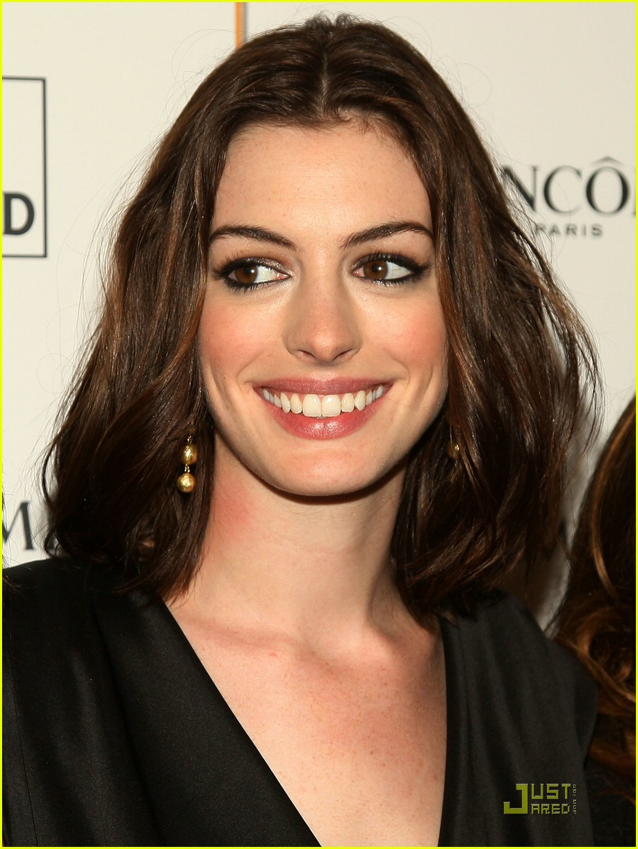anne hathaway getting married 121444101