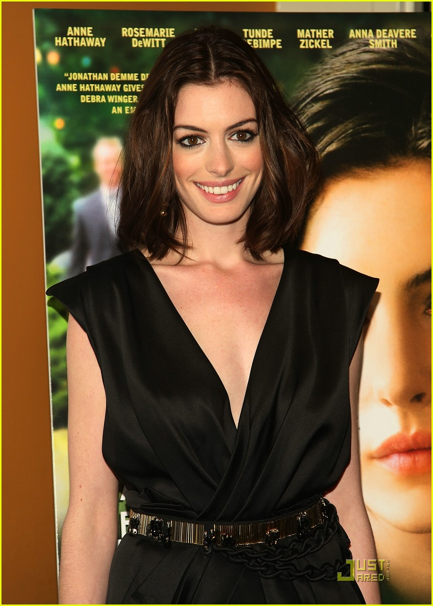 anne hathaway getting married 13
