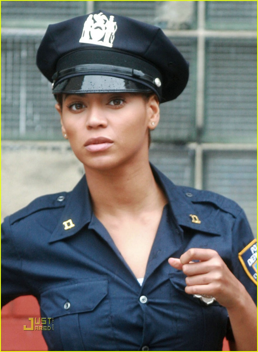 beyonce police officer 09