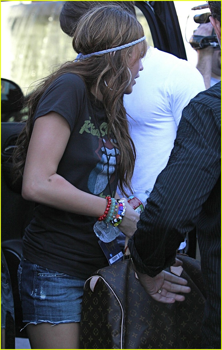 miley cyrus justin gaston universal city 041440961