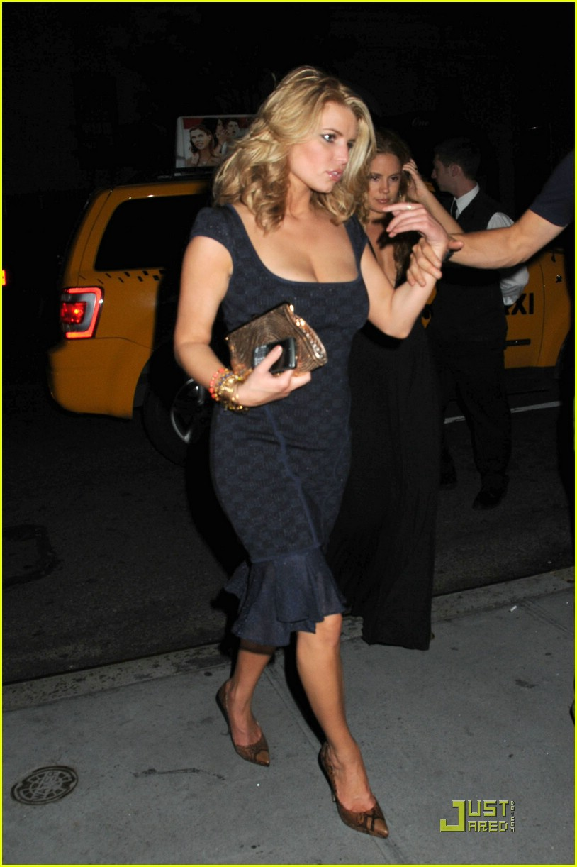 jessica simpson post party 101410711