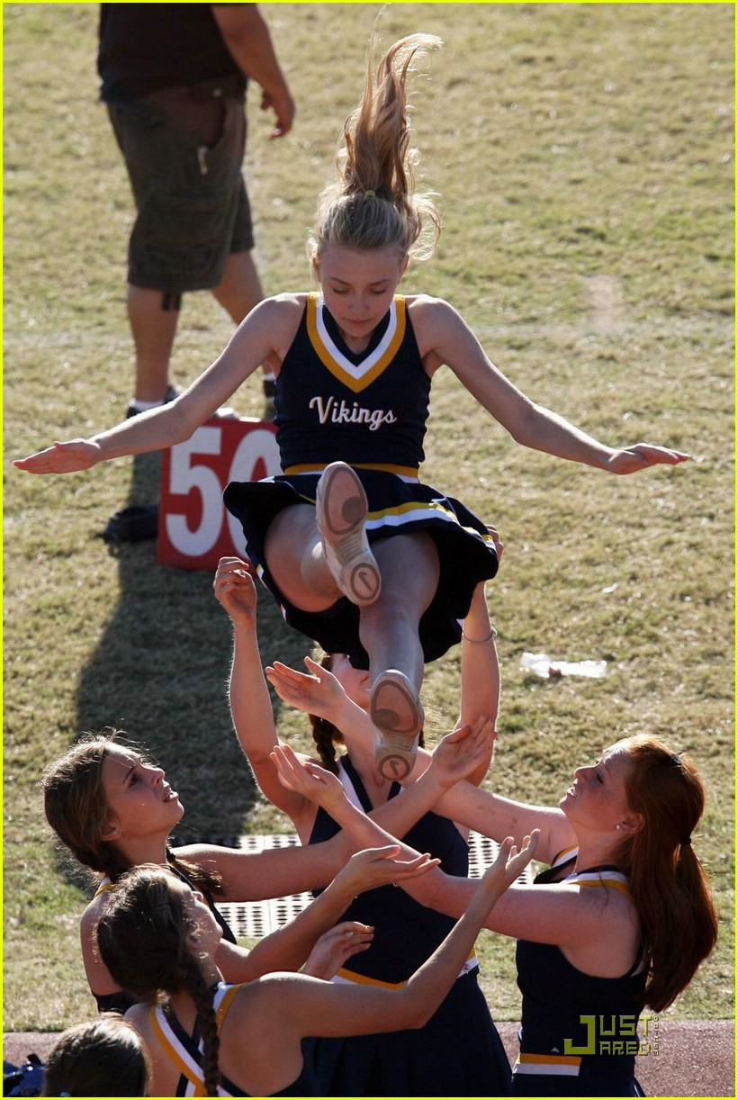 dakota fanning cheerleading squad 13