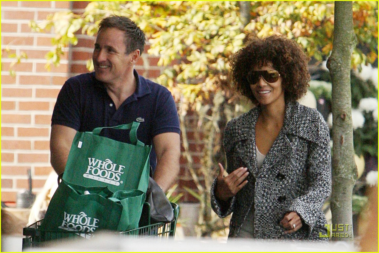 halle berry afro 05