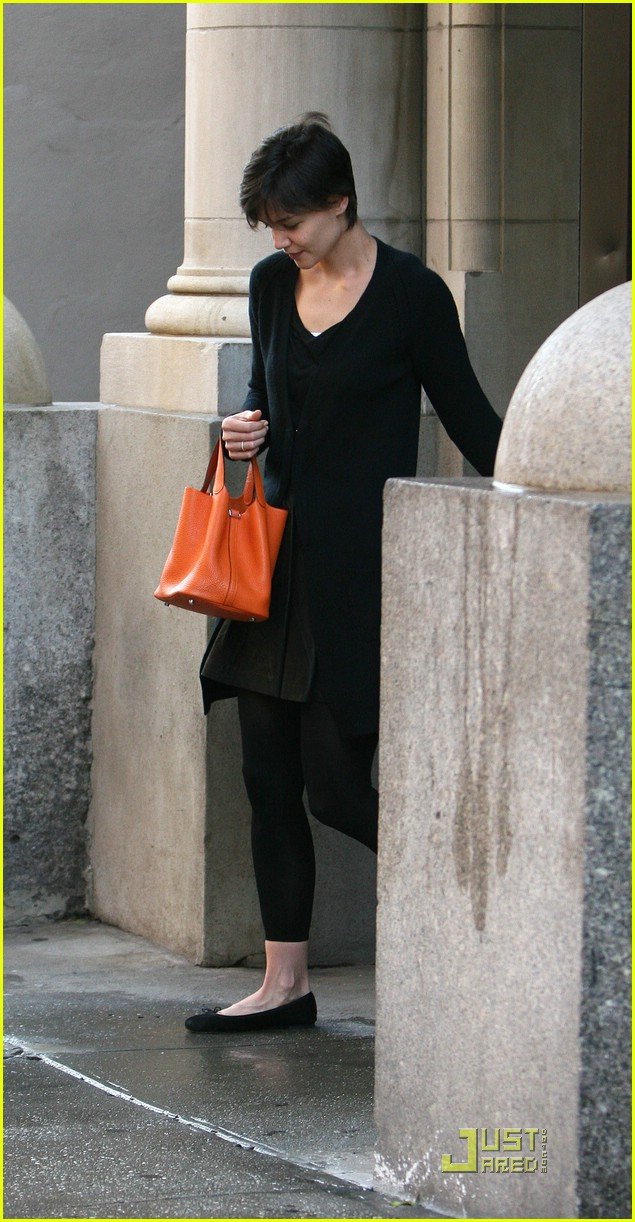 katie holmes orange bag 03