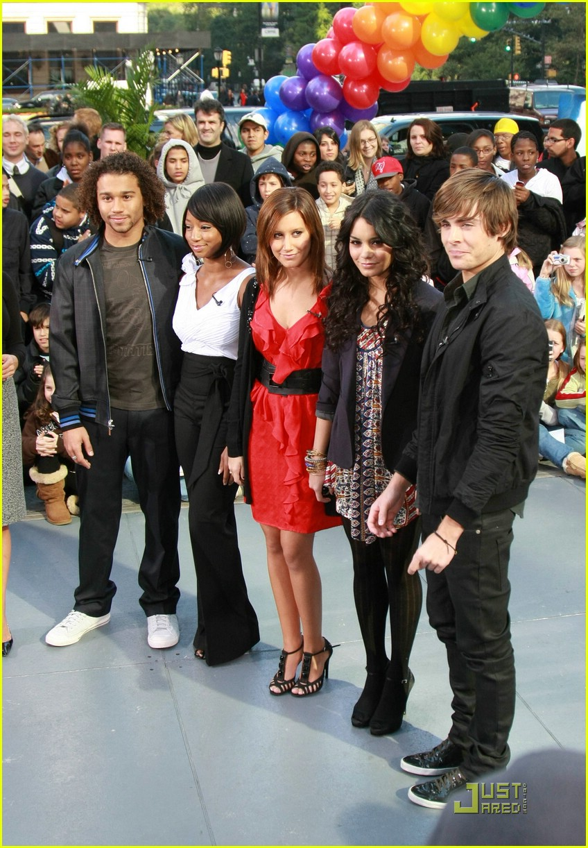High School Musical 3 Hit 'The Early Show': Photo 1496121