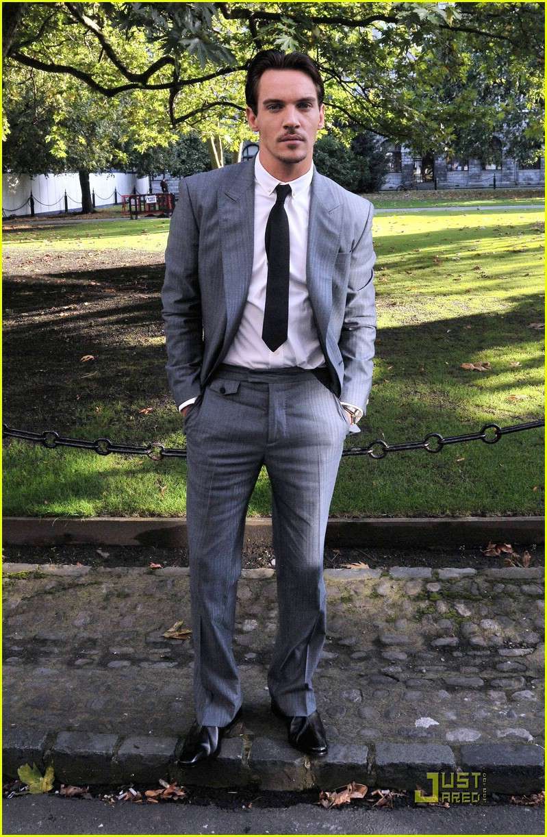 jonathan rhys meyers trinity college 14