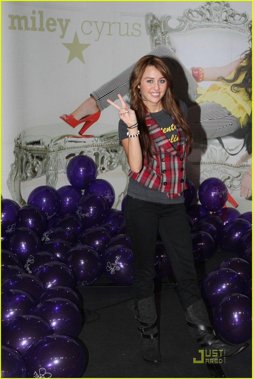 miley cyrus berlin beauty 10