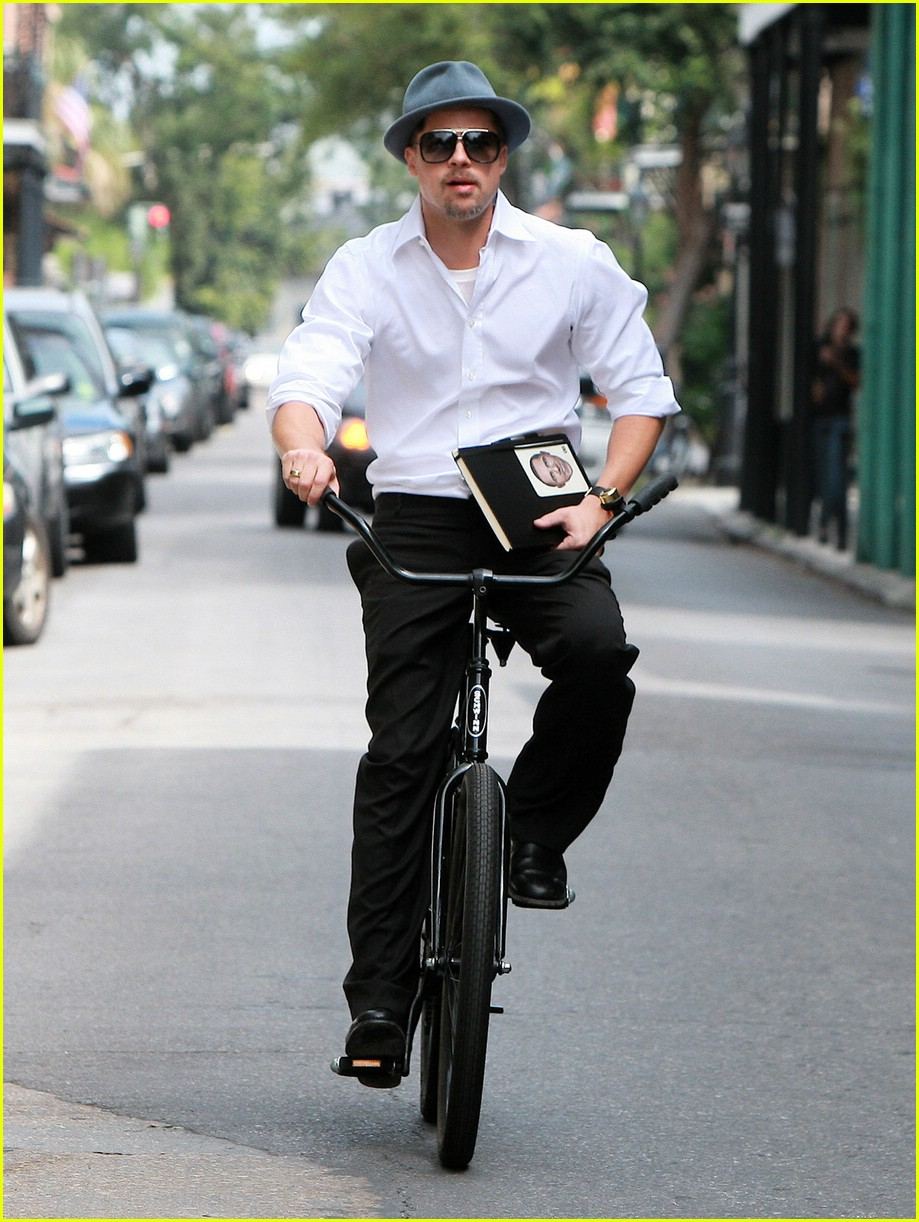 brad pitt barack obama bike 10