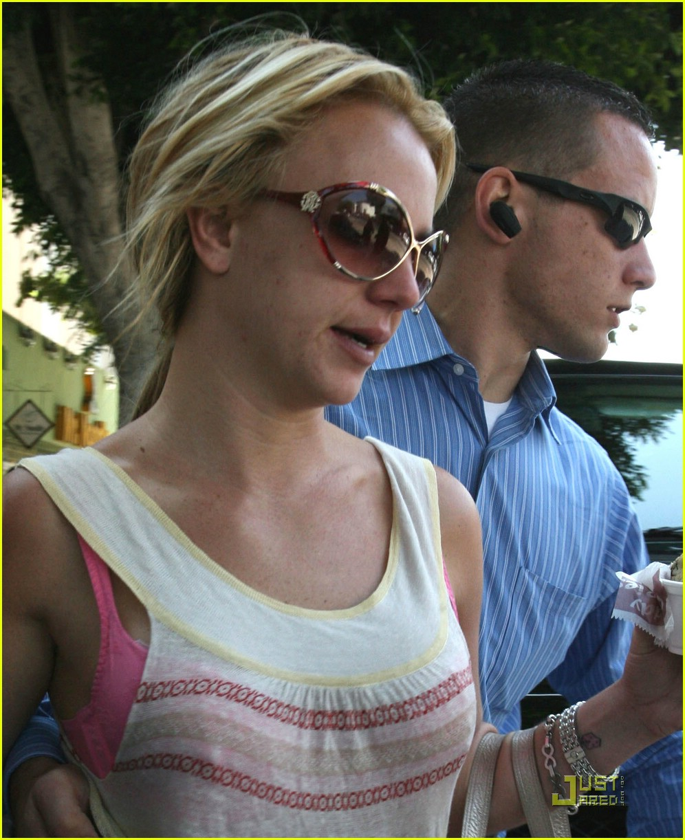 britney spears ice cream 05