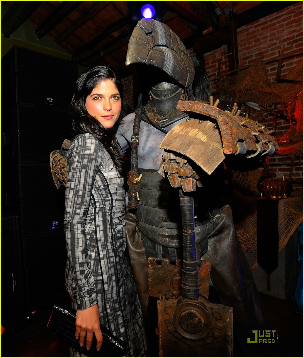 selma blair hellboy 2 14
