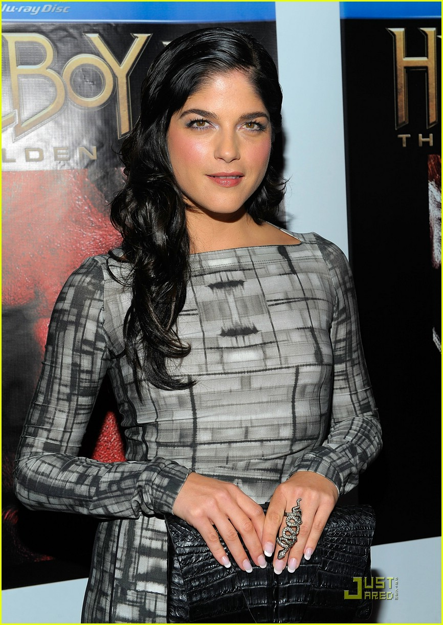 selma blair hellboy 2 18