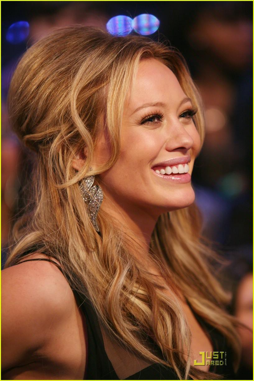 Hilary Duff live