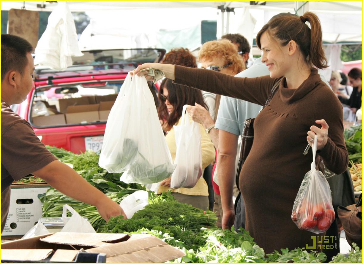 jennifer garner shops market 051543021
