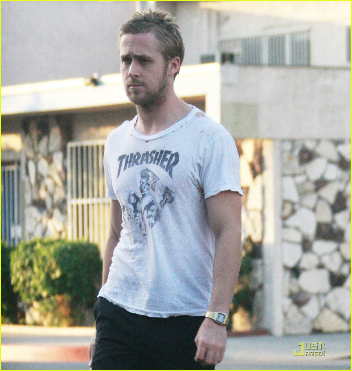 ryan gosling hole in shirt 021546291