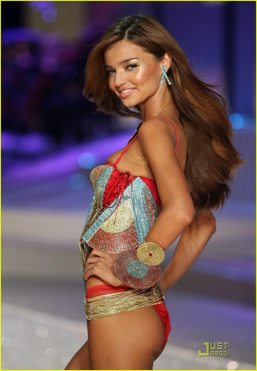 miranda kerr fashion show foxy 241548511