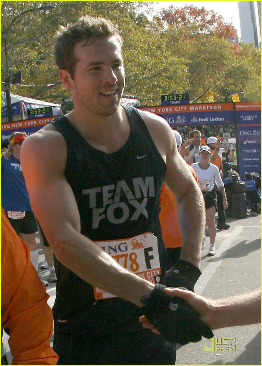 ryan reynolds nyc marathon 03