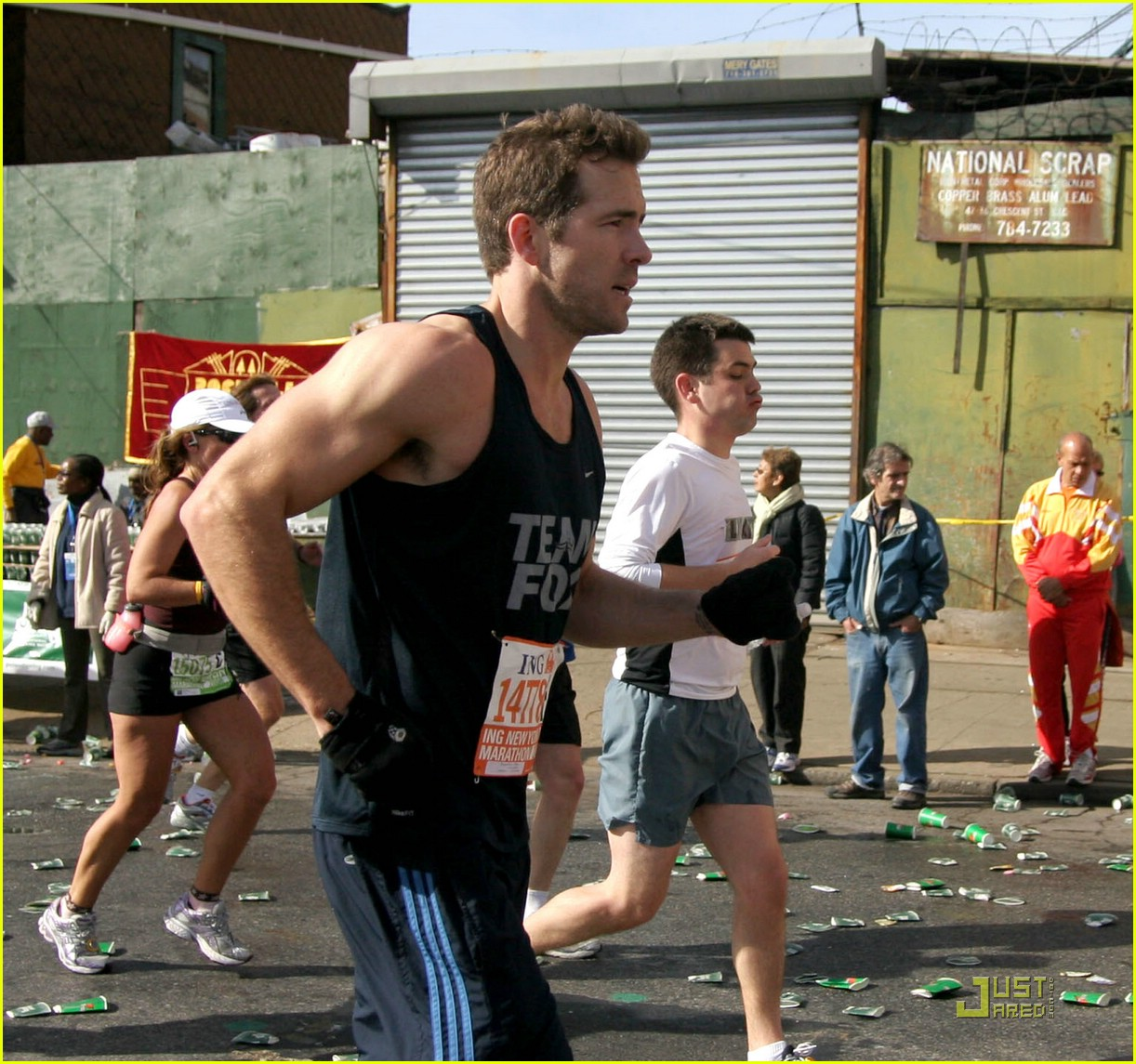 ryan reynolds nyc marathon 04