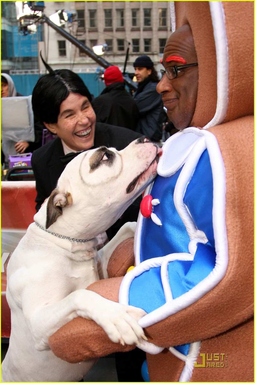 al roker gingerbread man dog 02