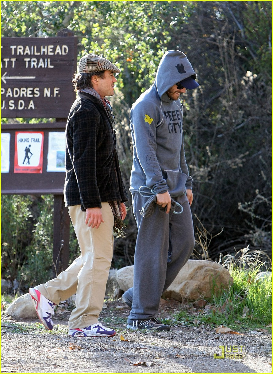 Jake Gyllenhaal & Robert Downey Jr. -- Ojai Joy! Jake Gyllenhaal