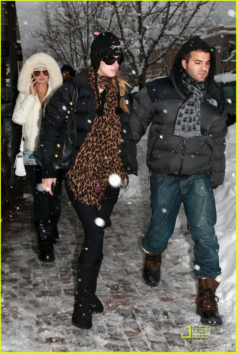 paris hilton aspen christmas 36