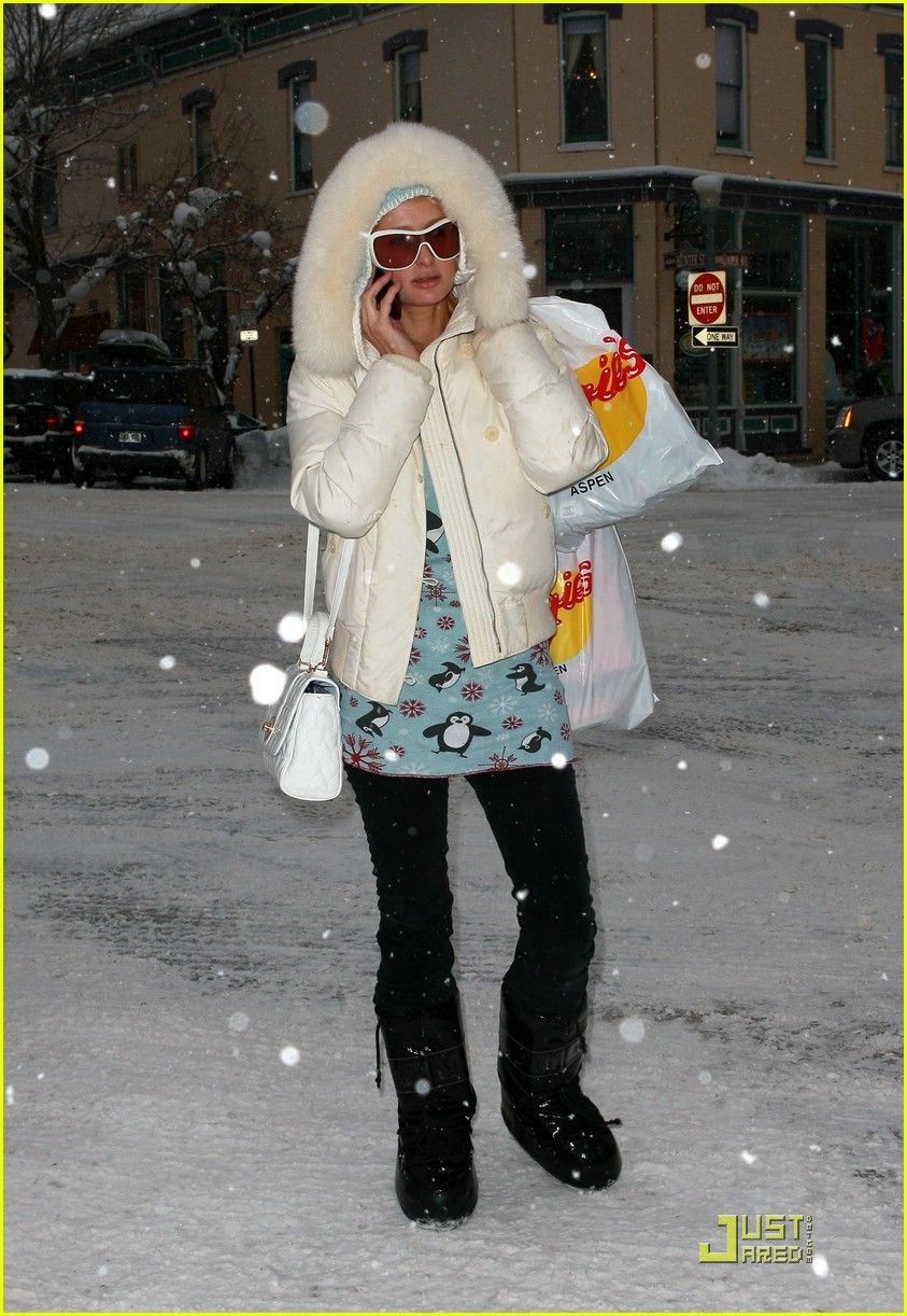 Full Sized Photo of paris hilton aspen christmas 56 | Photo 1616681 ...