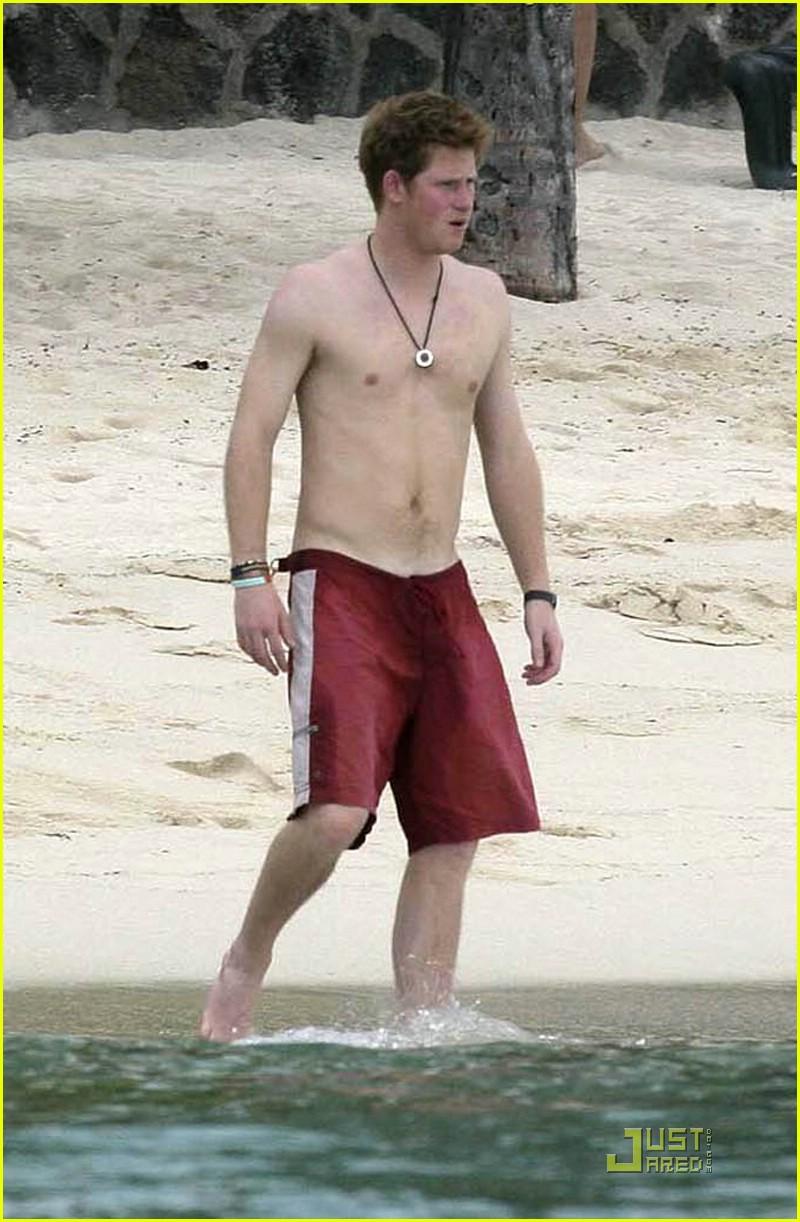 prince harry shirtless hot 01