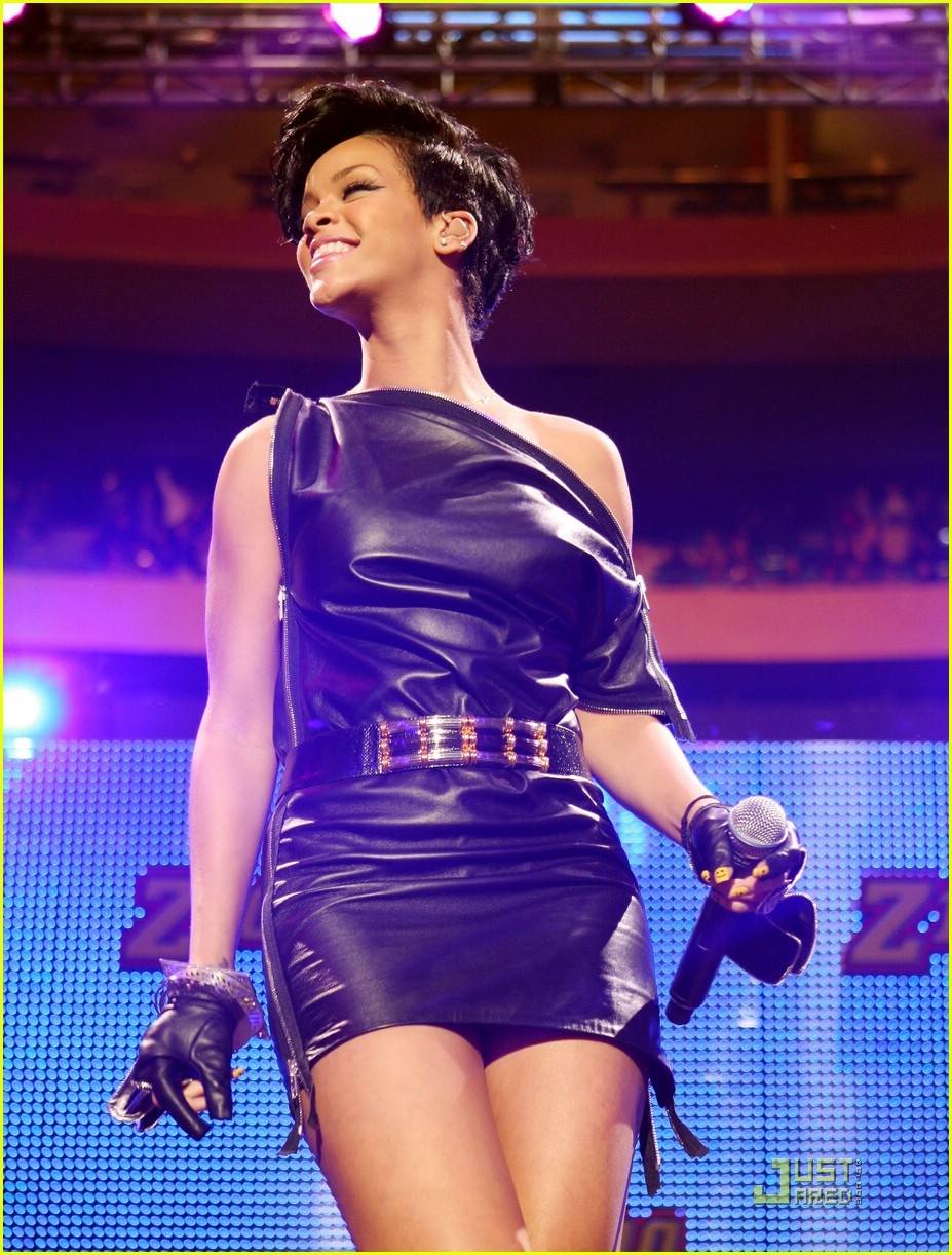 rihanna chris brown 2008 jingle ball 09