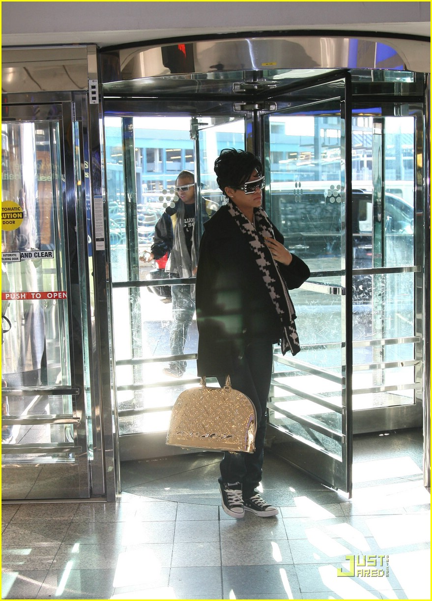 rihanna chris brown la guardia 01