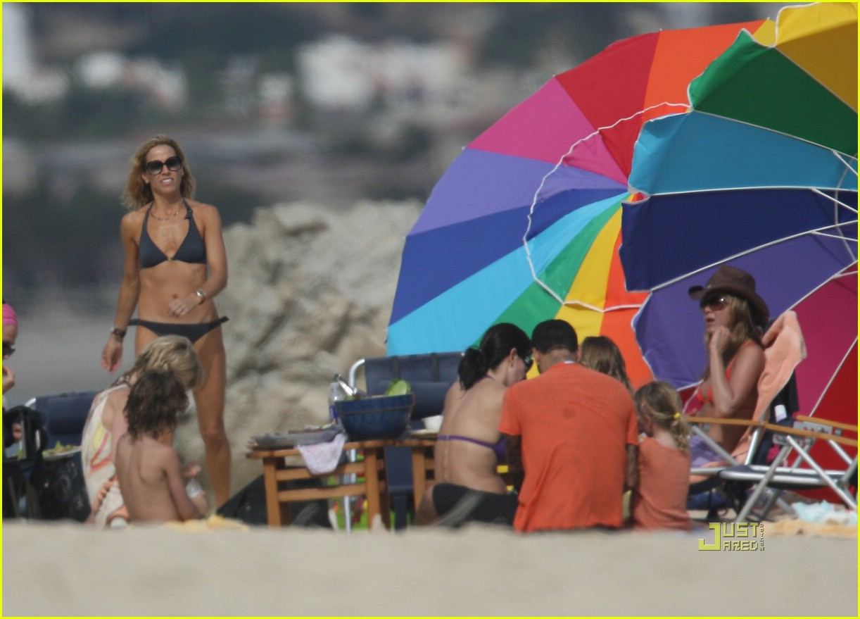 jennifer aniston cabo bikini 21