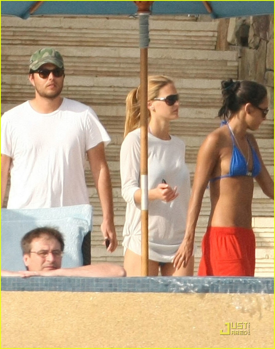 leonardo dicaprio bar refaeli cabo couple 12