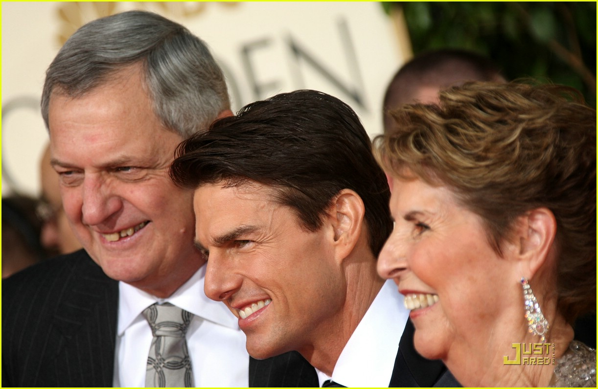 tom cruise golden globes 2009 mom 03