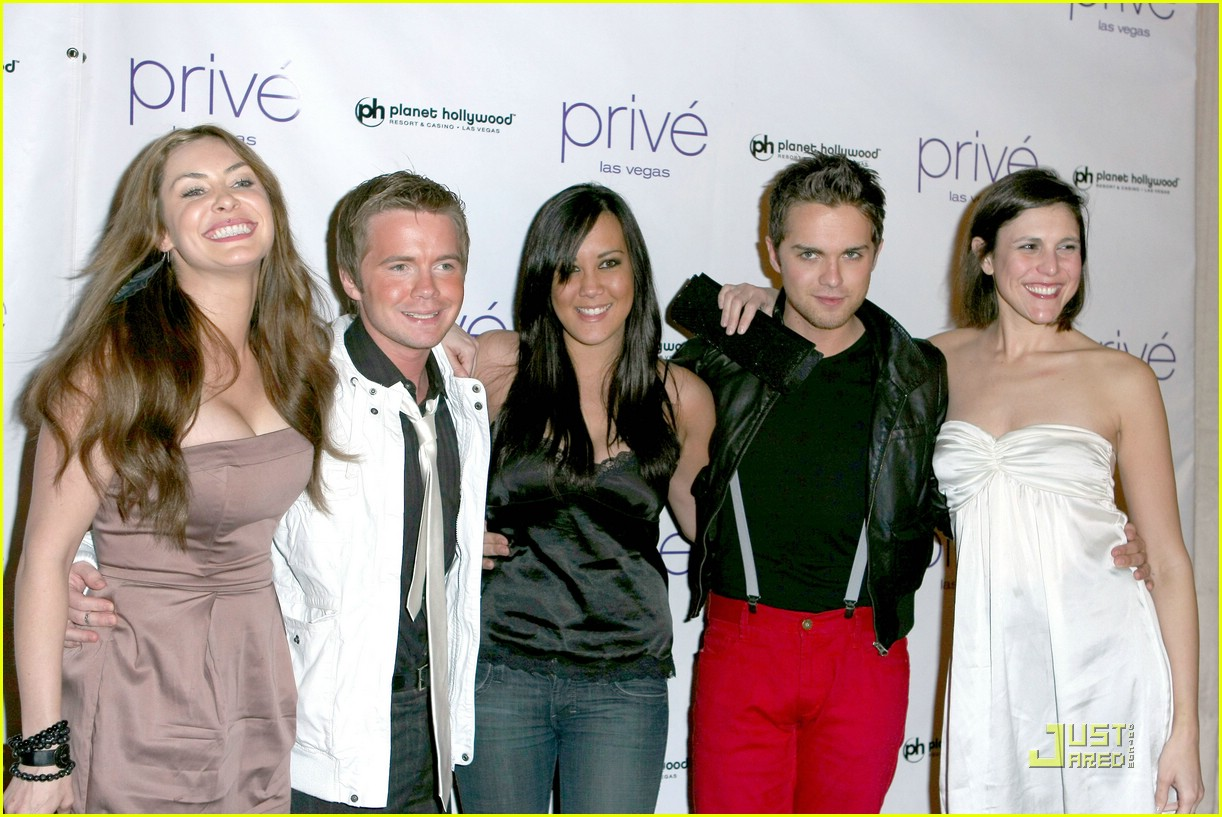 thomas dekker planet hollywood birthday party 08