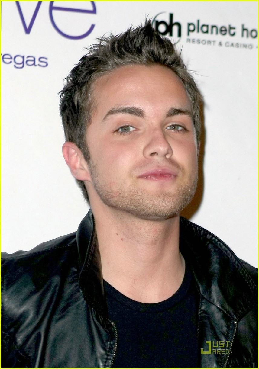 thomas dekker planet hollywood birthday party 17