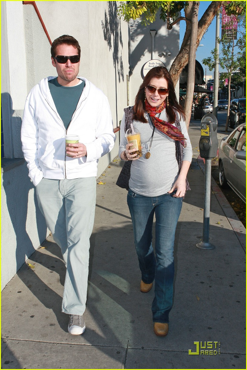 alyson hannigan bubble tea 04